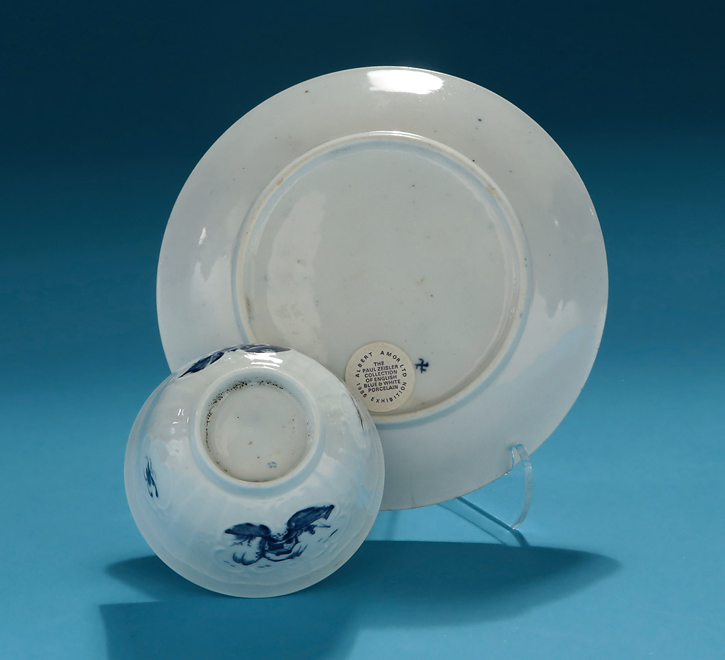 Good Early Worcester Moulded Teabowl & Saucer, Fisherman & Willow Pattern, Exhibition Paul Zeisler Collection of English Blue & White Porcelain, 1986, verso