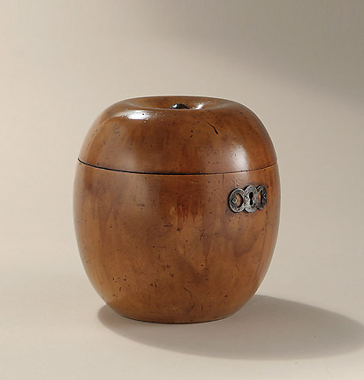 George III Apple Form Tea Caddy, England, c17990-1810, with steel escutcheon