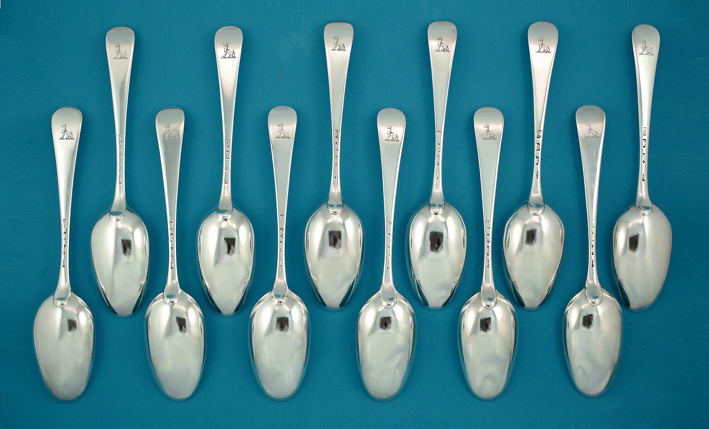 Straight Set of 12 George II Silver Hanoverian Silver Tablespoons, Isaac Callard, London c1720